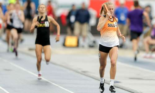 Solon wins another relay, enters final day tied for lead