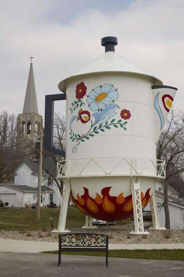 Why doesn't Iowa City have a water tower like other cities?