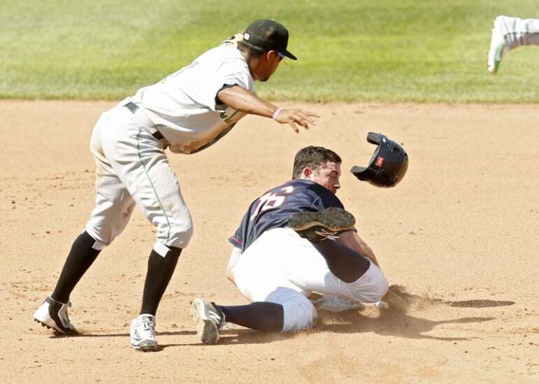 Passed ball in 11th gives Kernels an 8-7 win over Clinton