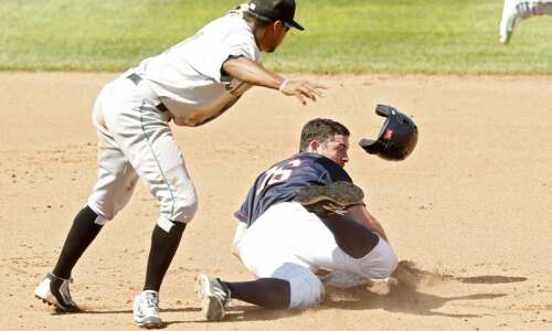 Passed ball in 11th gives Kernels an 8-7 win over…