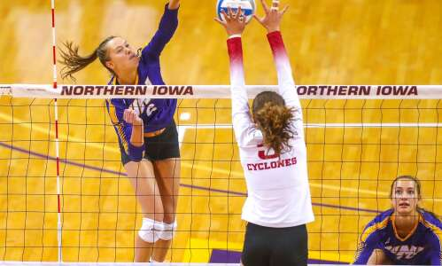 Iowa State volleyball sweeps UNI on the road