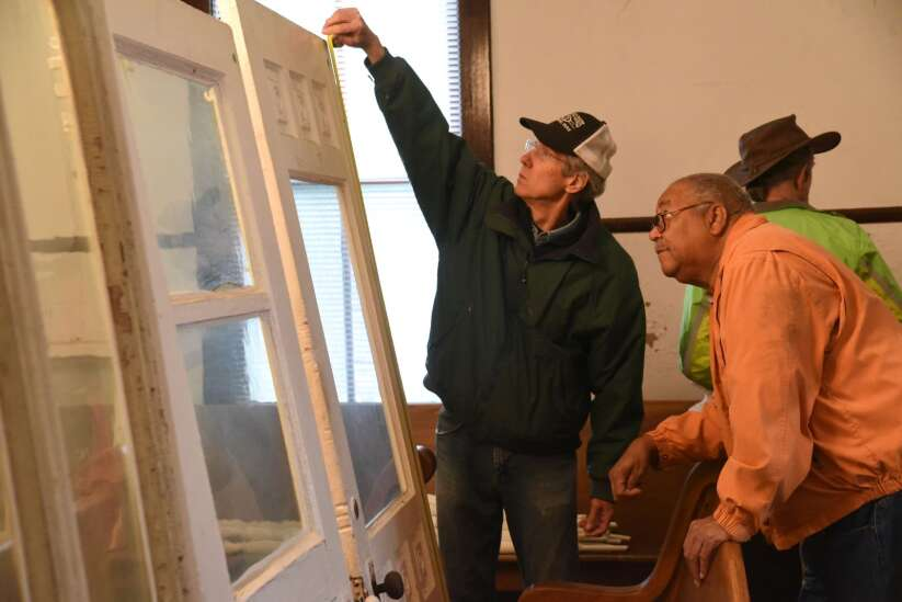 Historical commission sells pieces from old Mt. Pleasant homes