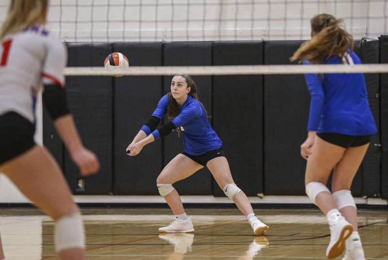 Clear Creek Amana's Calia Clubb commits to Illinois State volleyball