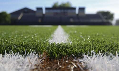 Tattered turf leads to lawsuits nationally, annoyance in Iowa