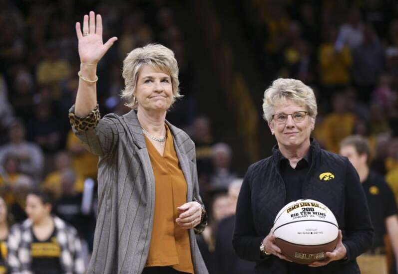 Salary details for Fran McCaffery, Lisa Bluder, Tom Brands, more Iowa coaches with contract extensions