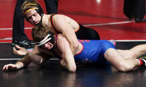 Solon gets a leg up on 2A state wrestling competition…