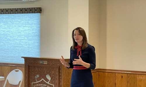 Christina Bohannan visits Rotary meeting