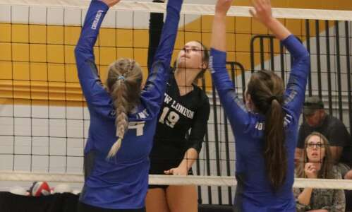 No. 10 New London not enough in ranked volleyball game