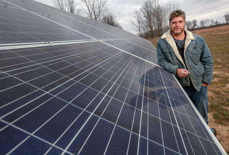 Johnson County tries new arrangement with solar company