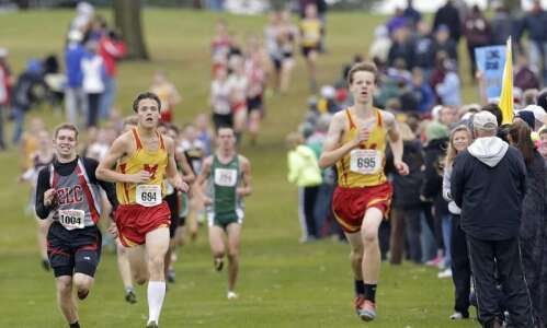 Marion cross country duo earns top two district finish