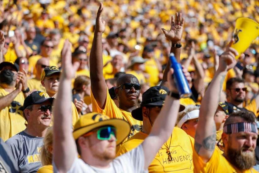 Iowa still No. 5, Iowa State still No. 14 in AP Top 25 college football rankings