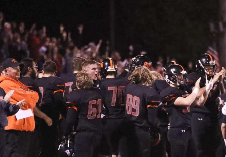 Iowa high school football rewind: Washington stuns Bettendorf