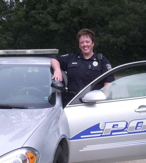 Female Anamosa police officer sues for gender discrimination