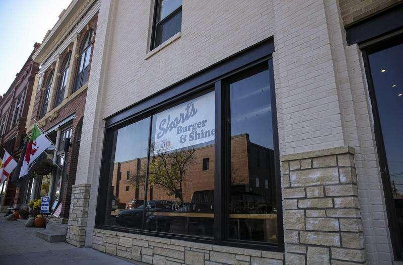 Short's Burger & Shine opens in Marion, bringing Iowa City favorite north