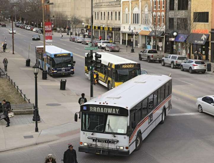Changes start Monday for Iowa City bus riders