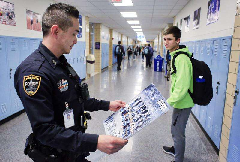 'I'm going to help some kids' Cedar Rapids school resource officers look to be positive influence
