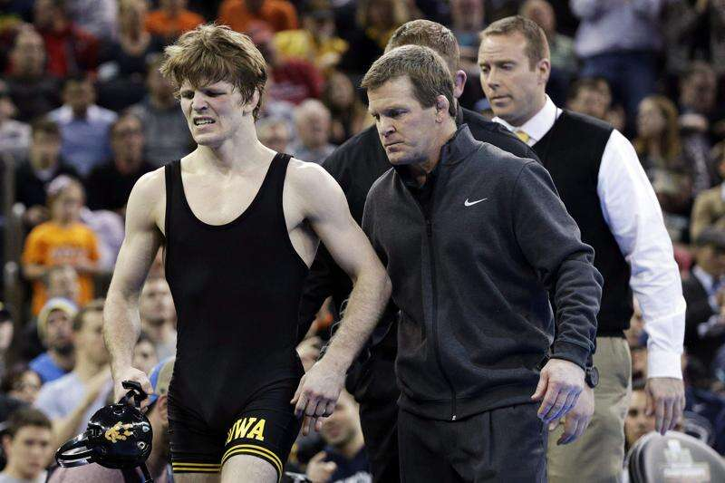 Hlas: Penn State's wrestling world; Hawkeyes just live in it