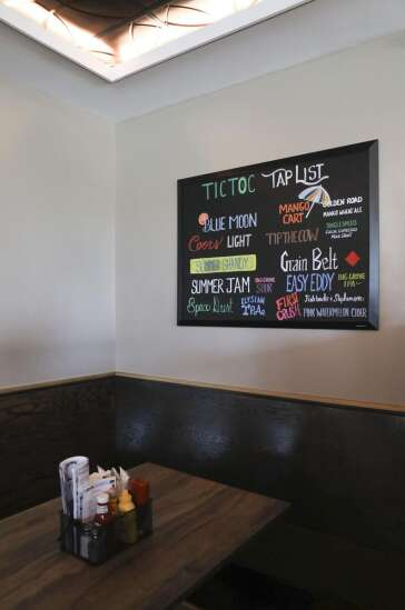 It's time to return to the Tic Toc, Cedar Rapids now reopened clock-themed restaurant