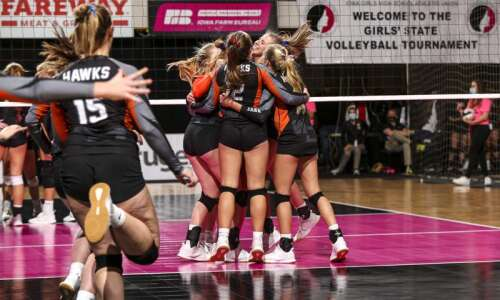 Photos: Glenwood vs. West Delaware, Iowa Class 4A state volleyball…