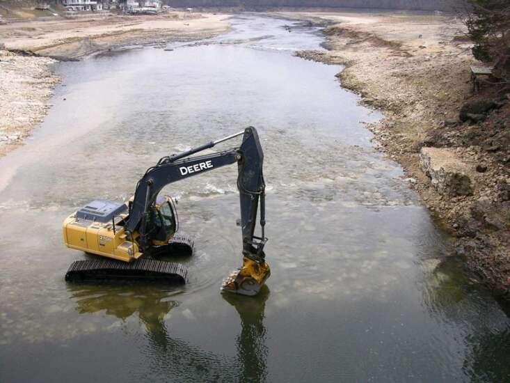 Stream gauges measuring Iowa river levels shut down