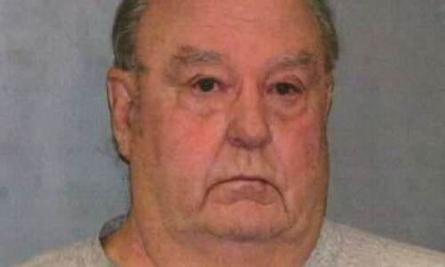 Man convicted of killing wife dies at age 81