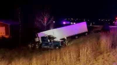 Semi catches fire along Interstate 380 near Cedar Rapids