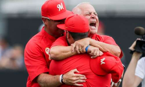 Photos: Marion vs. Dubuque Wahlert, Class 3A state baseball championship