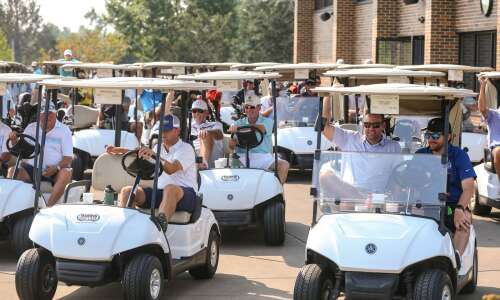 No Zach, no problem at Johnson's golf fundraiser in C.R.