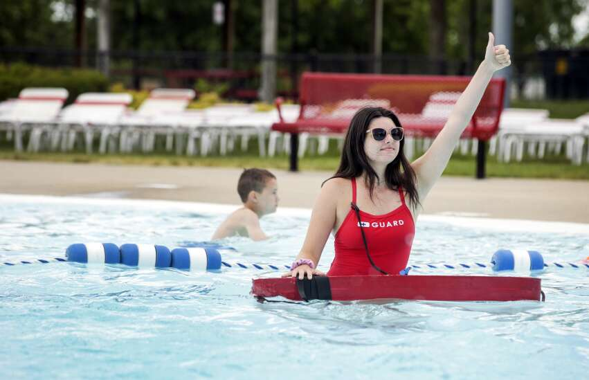 Teens back at summer jobs, but Iowa businesses still facing worker shortage