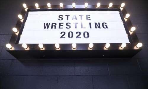 Iowa high school state wrestling recap show: Pinning Combination