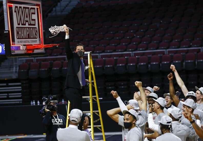 Iowa Hawkeyes start NCAA men's basketball tournament against Grand Canyon Antelopes