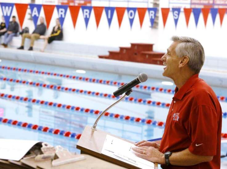 Washington swimming alumni gathering for Jim Voss Invitational