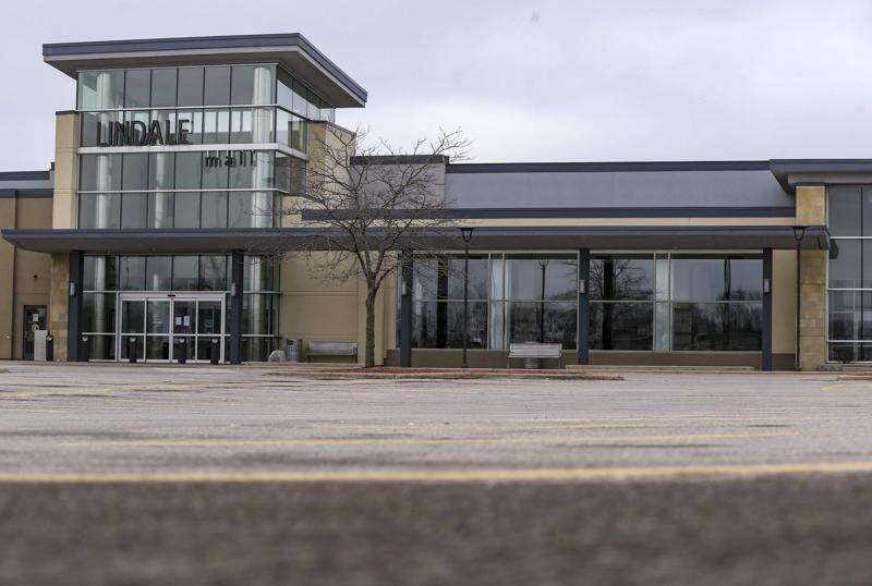 Linn County eyeing Lindale Mall for mass vaccination site