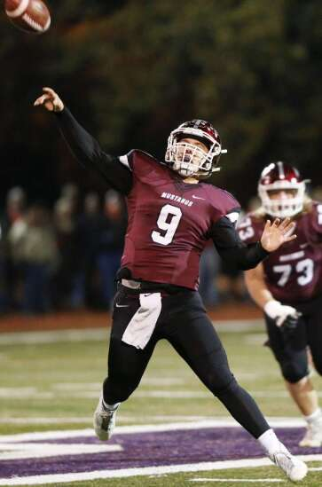Mount Vernon's Drew Adams commits to play football at Grand View