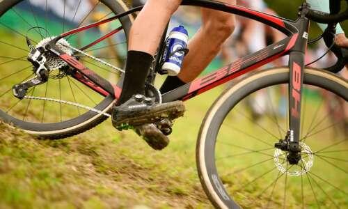 Jingle Cross cycling festival returns to Iowa City