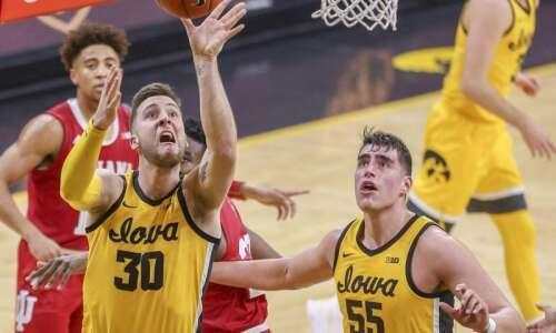 Iowa Hawkeyes freeze up, get iced by Indiana, 81-69