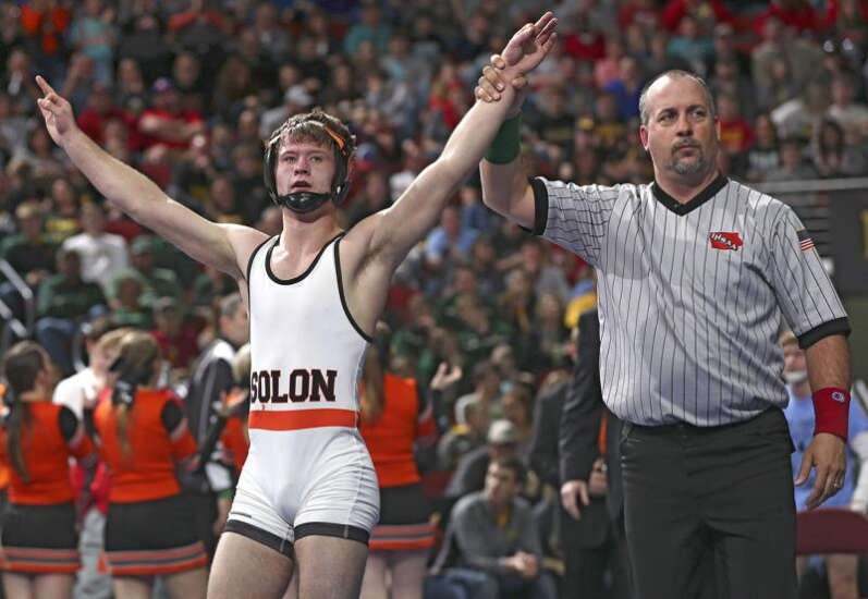 Bryce West claims third state wrestling title, Solon edges New Hampton in 2A team race