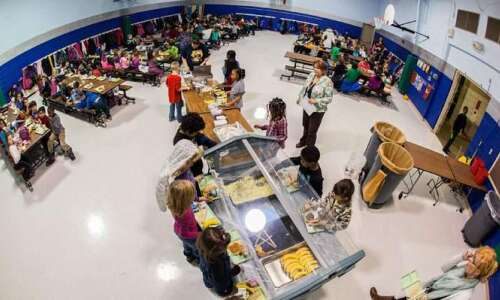 Support healthy school meals for all Iowa kids