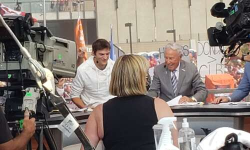 """Ashton Kutcher """"showered"""" with attention at ESPN College GameDay"""