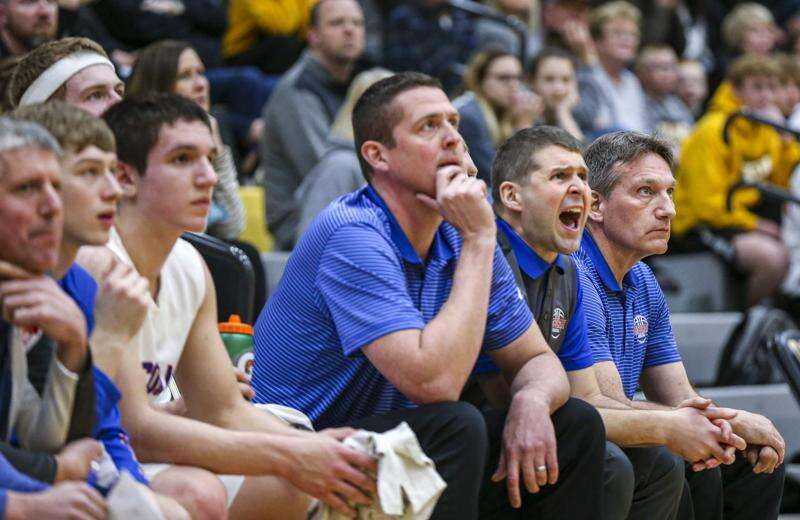 Can Decorah close the gap and compete with Western Dubuque in 3A substate final?