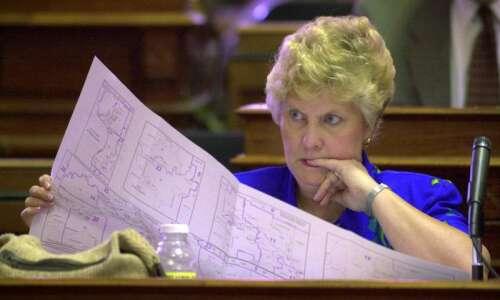 Despite census delays, Iowa Legislature leaders begin redistricting process