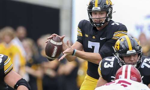 Hawkeyes evaluate offense to prepare for Big 12's best defense