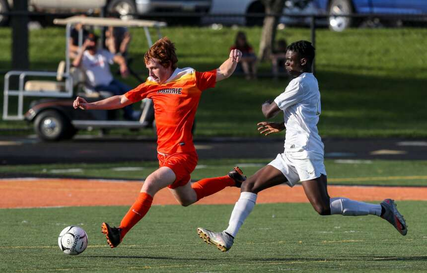 Iowa high school boys' soccer substate finals roundup: Final scores, 2021 state brackets and more