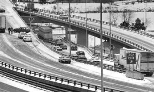 Icy I-380 in Cedar Rapids