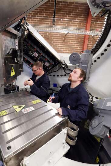 Wind technician jobs growing, in Iowa and nationally
