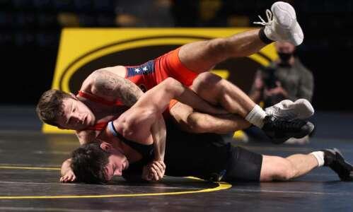 Iowa's Jaydin Eierman drops Olympic champion at Hawkeye Wrestling Club…