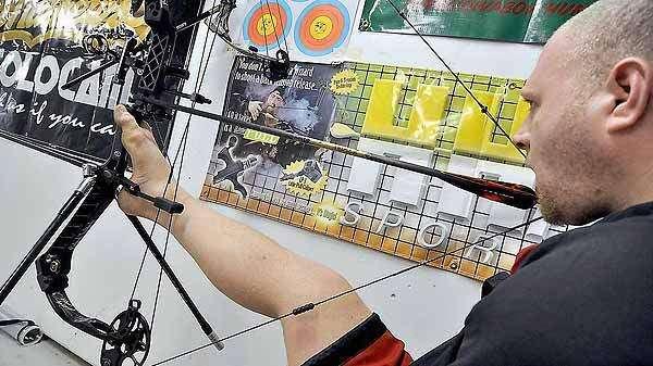 Armless archer has Olympic aspirations