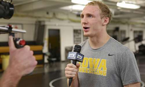 Iowa's Spencer Lee, Kaleb Young advance to NCAA wrestling semifinals