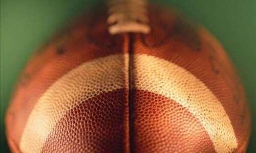 Prep football roundup: Dyersville Beckman shuts out Monticello