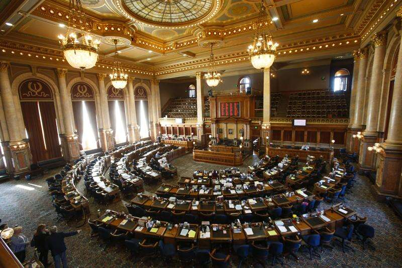 Iowa House OKs constitutional amendment declaring no right to abortion